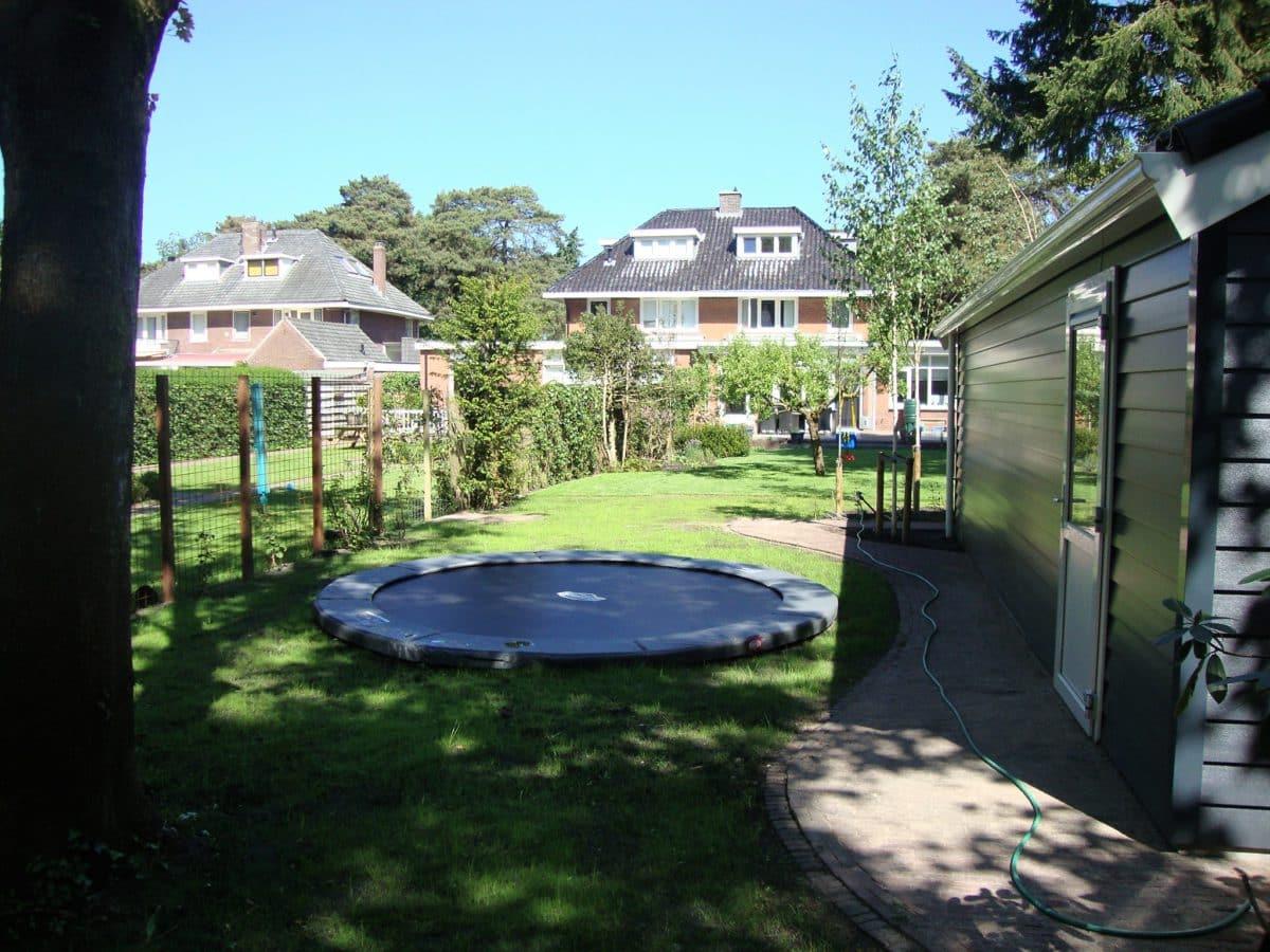 trampoline ingegraven